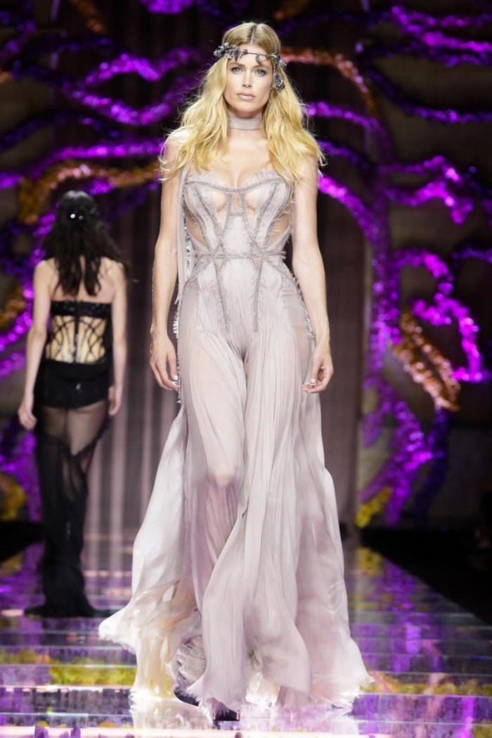 Versace Atelier Fashion Show, Couture Collection Fall Winter 2015 in Paris