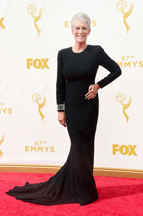 Jamie Lee Curtis looks like an absolute award trophy herself! How good does she look? I love older women who aren't afraid to wear all black and I really think it's a powerful and striking look.