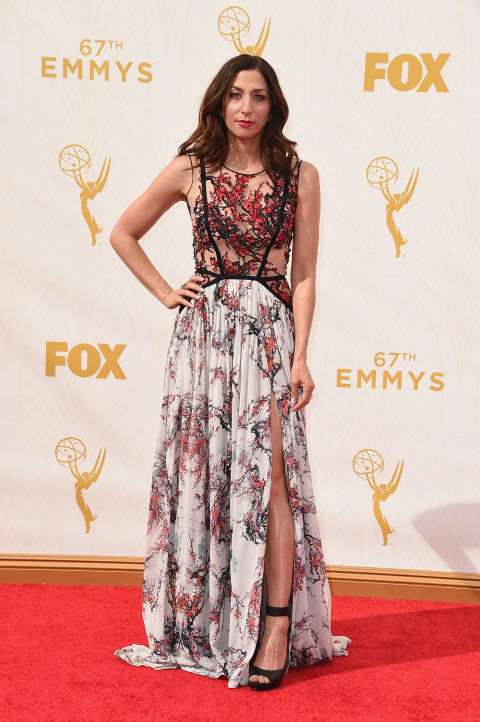 Chelsea Peretti is just the funniest gal around and I love that she's looking fab representing both Andy Samberg and herself and coworkers in Brooklyn 99. I'm so jealous that she gets to wear this Gabriela Cadena dress.