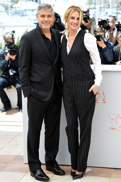 George-Clooney--Julia-Roberts-Cannes-vogue-12may16-getty_b_426x639