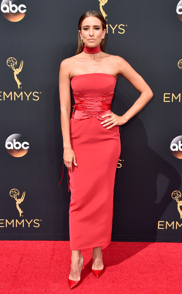 rs_634x1024-160918142420-634-emmy-awards-arrivals-renee-bargh-ls-91816