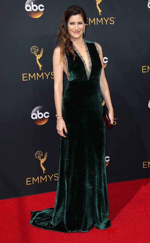 rs_634x1024-160918150414-634-kathryn-hahn-emmy-awards-2016