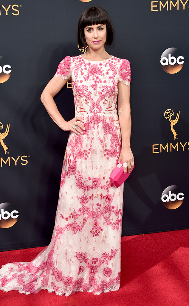 rs_634x1024-160918154459-634-constance-zimmer-emmy-awards-2016