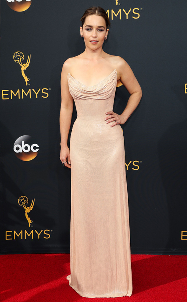 rs_634x1024-160918161233-634-emmy-awards-arrivals-emilia-clarke