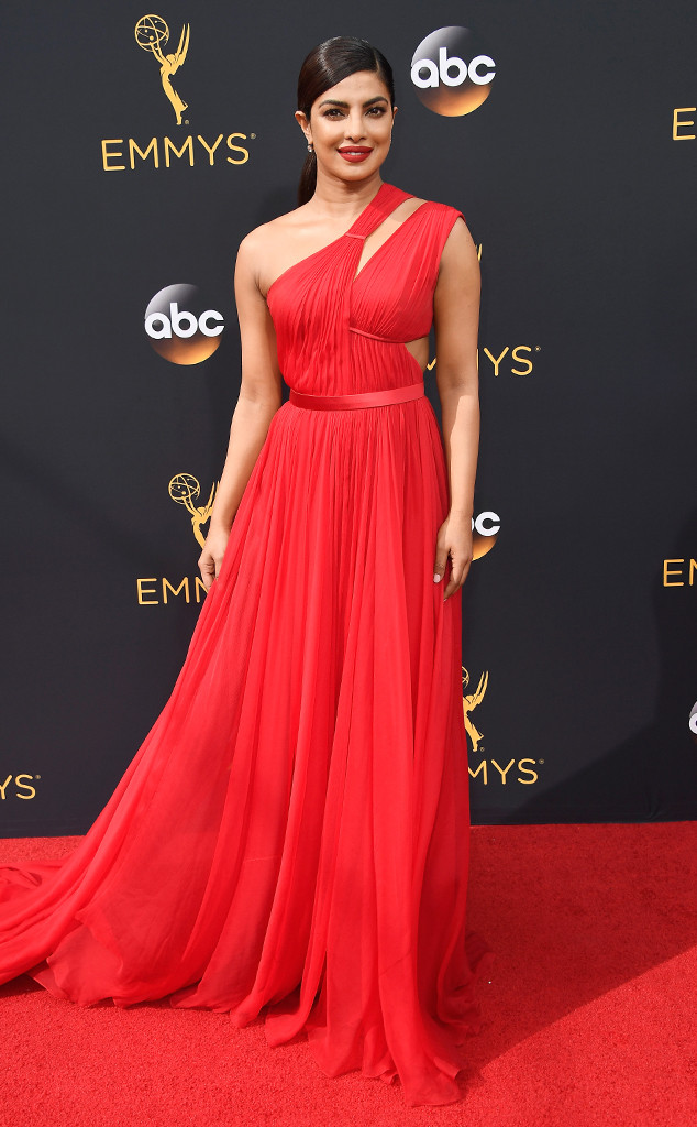 rs_634x1024-160918161250-634-priyanka-chopra-emmy-awards-2016-arrivals