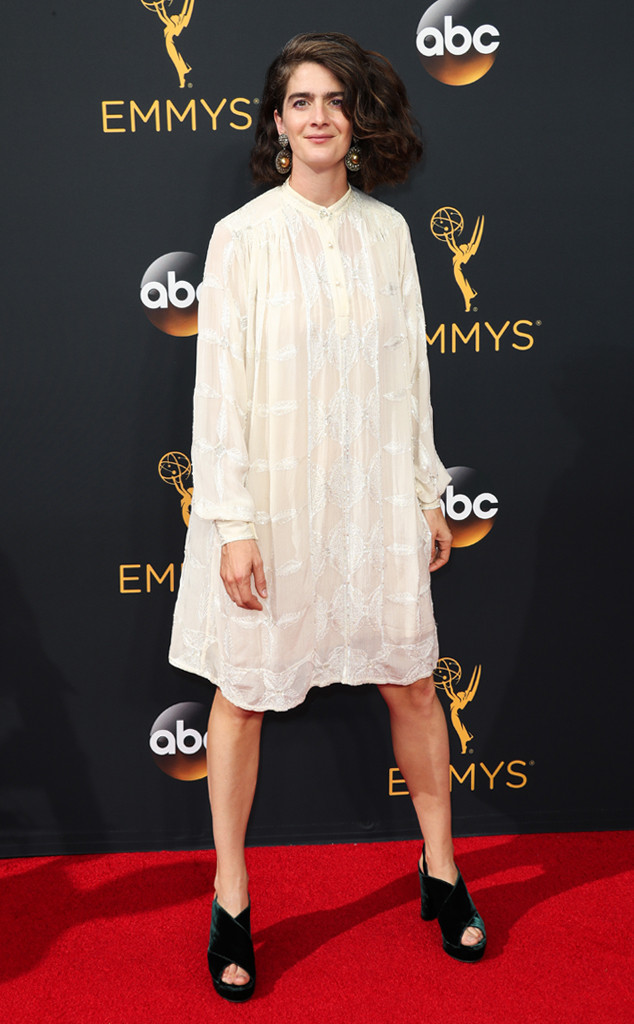 rs_634x1024-160918161439-634-emmy-awards-arrivals-gabby-hoffman
