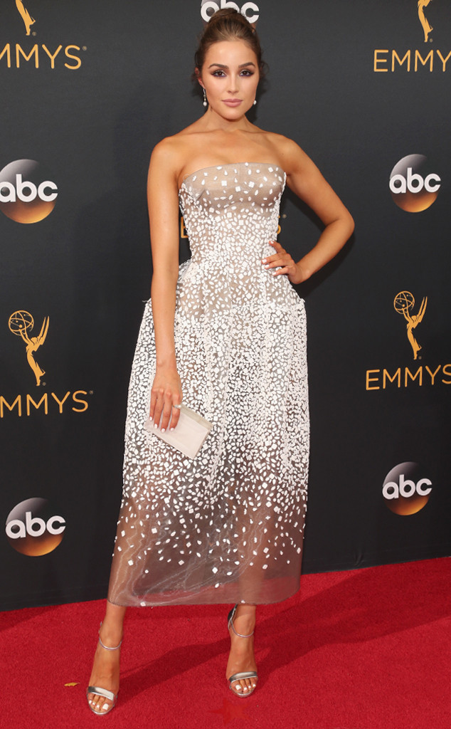 rs_634x1024-160918165652-634-olivia-culpo-emmy-awards-2016