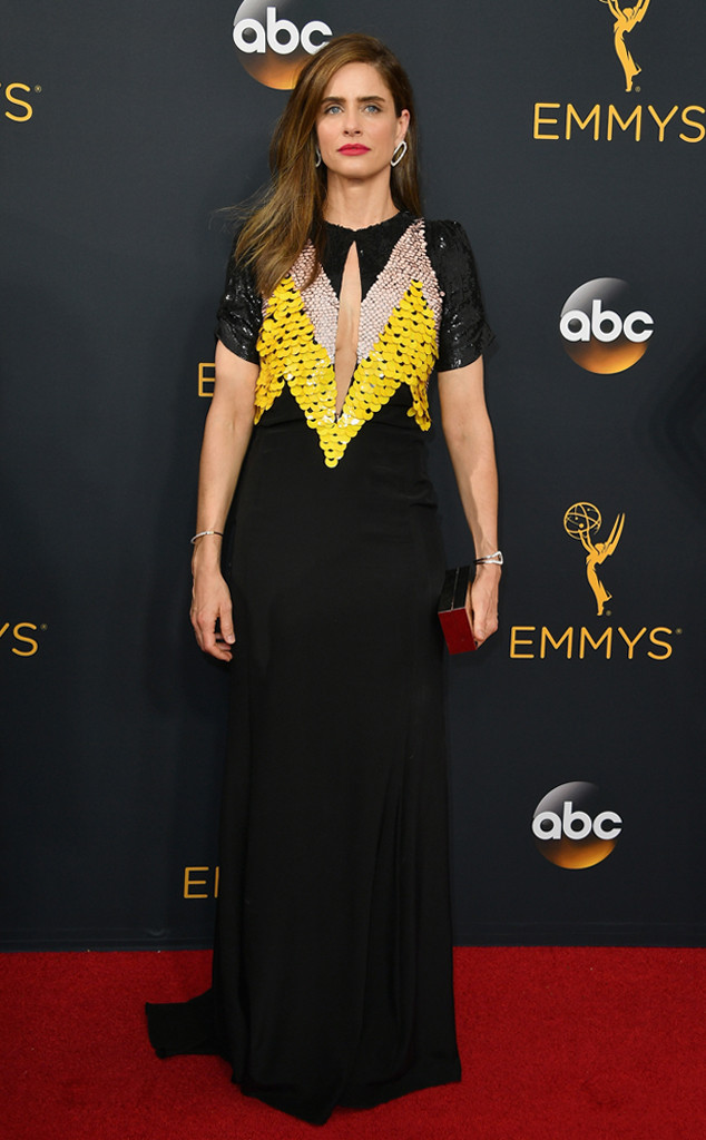 rs_634x1024-160918171551-634-amanda-peet-emmy-awards-2016