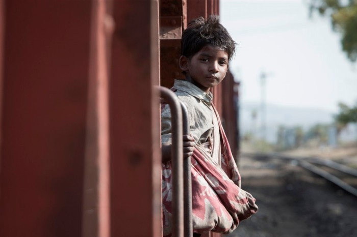 sunny_pawar_as_saroo_bierley_in_the_film_22lion22_1