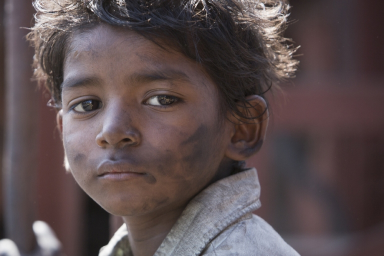 sunny_pawar_as_saroo_bierley_in_the_film_22lion22_2
